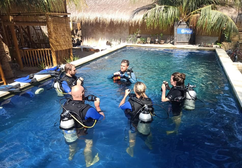 Dive-school-pool-training-Open-water-course
